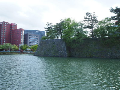 石垣と水堀(東側から)