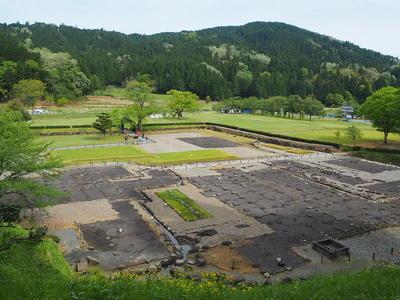 湯殿跡庭園から見る朝倉義景館跡