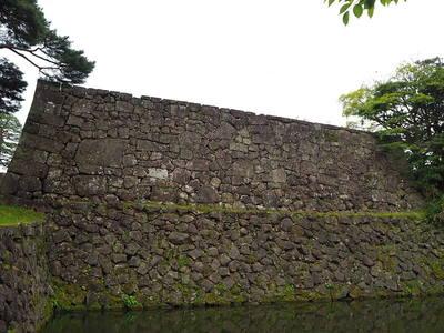 大手門口の石垣