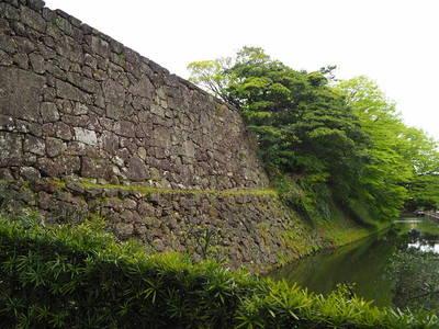 大手堀と石垣