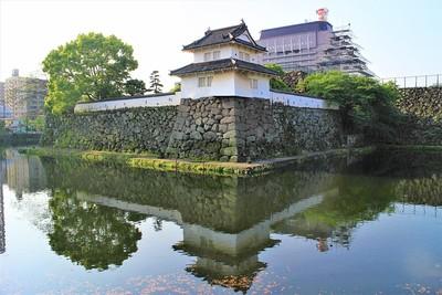 人質櫓と水堀(北西側)