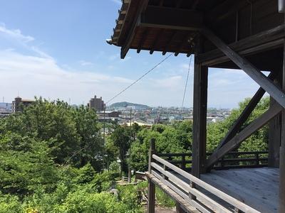 岩崎山砦跡から見た小牧山