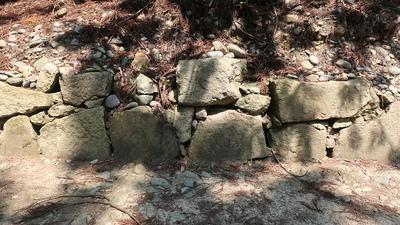 枡形虎口の石垣