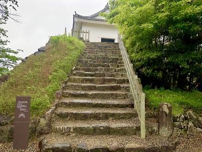 多聞櫓内部に続く階段