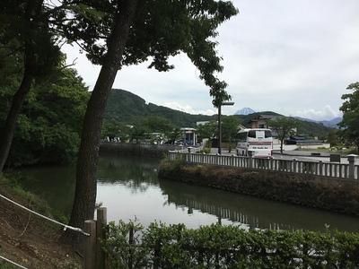 水堀と富士山
