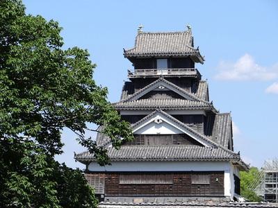 宇土櫓(二の丸広場から)