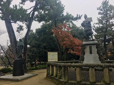 清洲公園「信長公出陣の像」