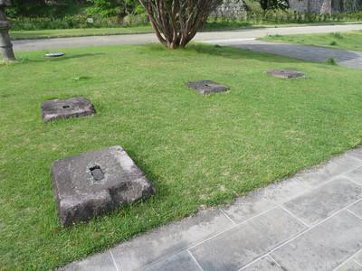 大手門跡の礎石