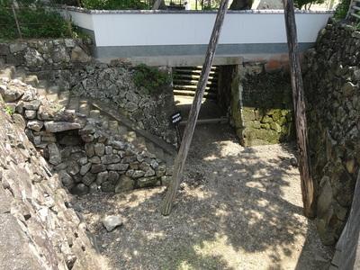 上から眺める水門跡