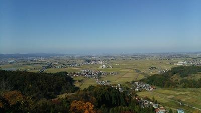 本丸跡の北陸新幹線ビュースポット