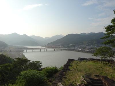 本丸からの熊野川の眺め