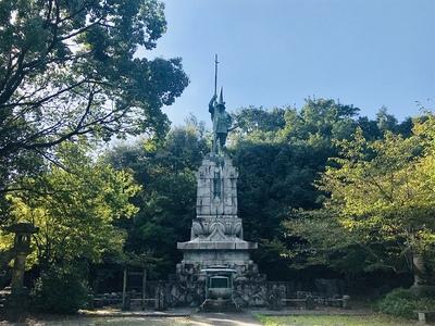 清正公立像(本妙寺公園)