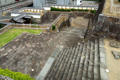 銅門跡から内松陰門へ