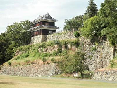 尼ケ淵石垣と西櫓