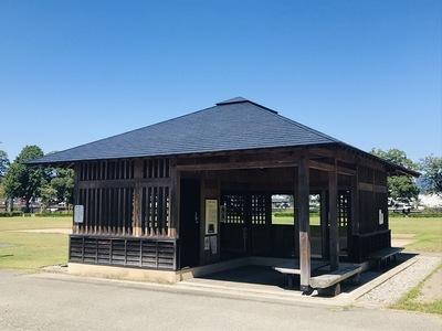 大井戸遺構の休憩施設
