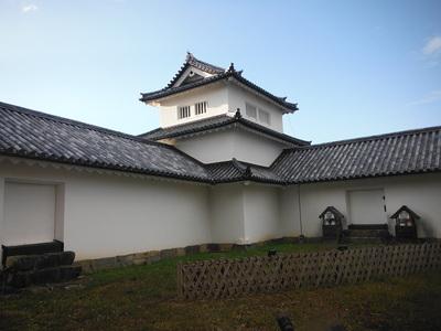 西の丸三重櫓(東側・西の丸より)