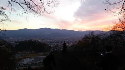 南曲輪から見る夜明け前の越前大野城