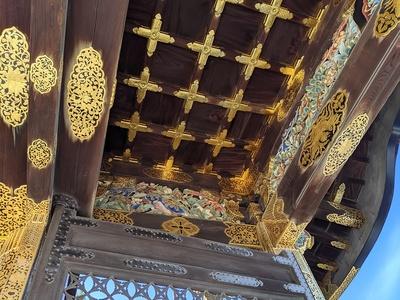唐門の内側