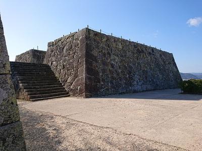 天守台石垣(北側八番門付近から)