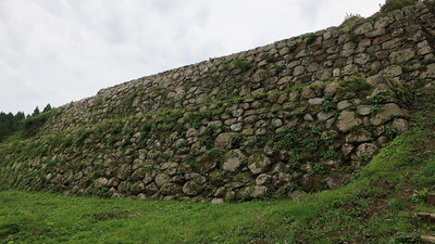本丸下の石垣