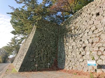 本丸北東面石垣