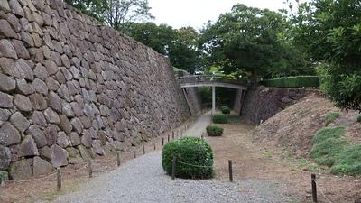 極楽橋と石垣