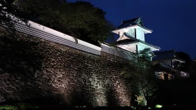 ライトアップされた石川門