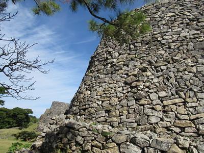 平郎門の外側から大隅(ウーシミ)の城壁