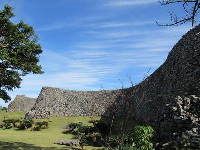 平郎門から伸びる城壁