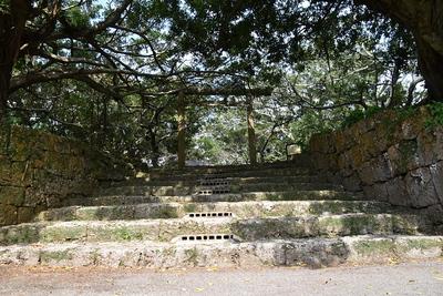南山神社入口