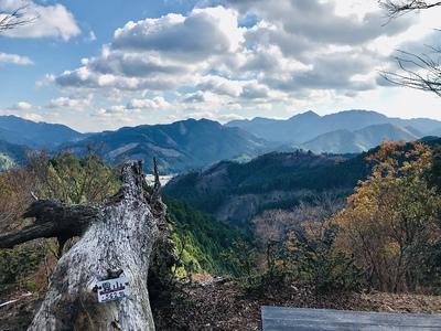 鐘突堂からの眺望 霧山562m