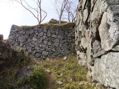 東側の本丸への虎口