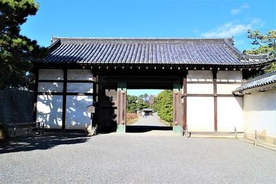 桃山門(南側)