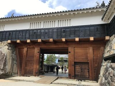 二の丸太鼓門の櫓門
