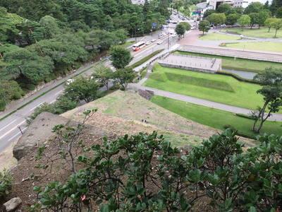 辰巳櫓跡から見下ろす