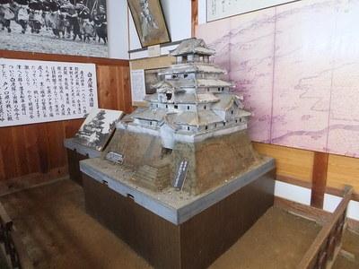 戊辰戦争後の会津若松城模型