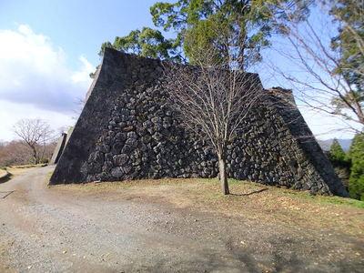 本丸石垣(東側から)