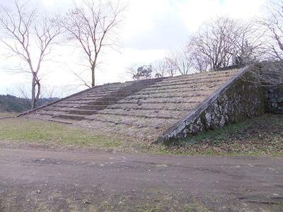西の丸への階段
