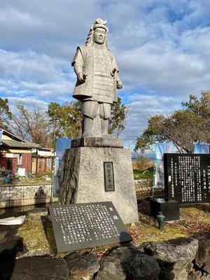 坂本城① 明智光秀公の像