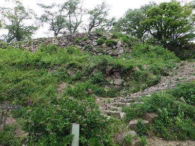 山上ノ丸本丸石垣