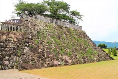 戌亥櫓台(北側)