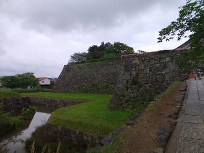 二の丸の石垣と犬走