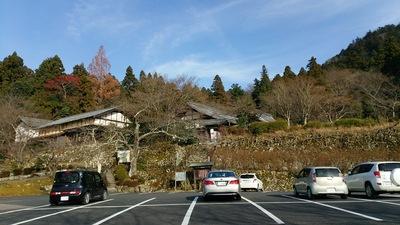 百済寺を駐車場から見る