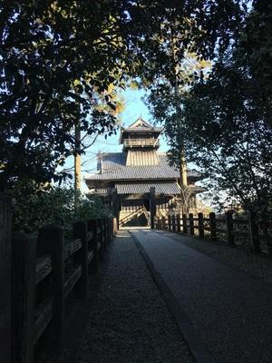 天守への橋