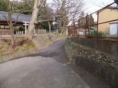 本丸と二の丸の間の堀底道