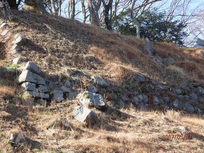 天守郭北側の崩落した石垣