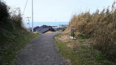 裏門跡(搦手)から見る日本海