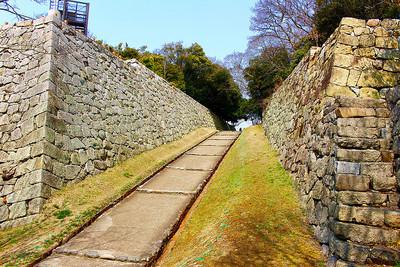 明石城 東ノ丸への道