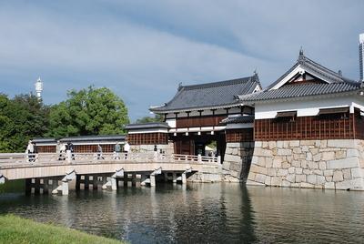二の丸表御門と御門橋