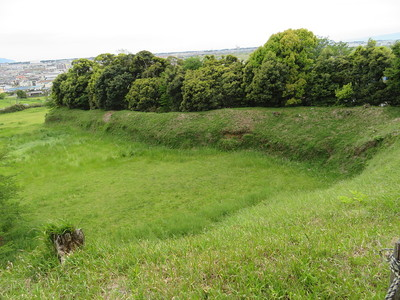 本丸土塁(西側)